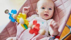 Sdraietta del neonato e testa piatta posteriormente (brachicefalia posizionale)